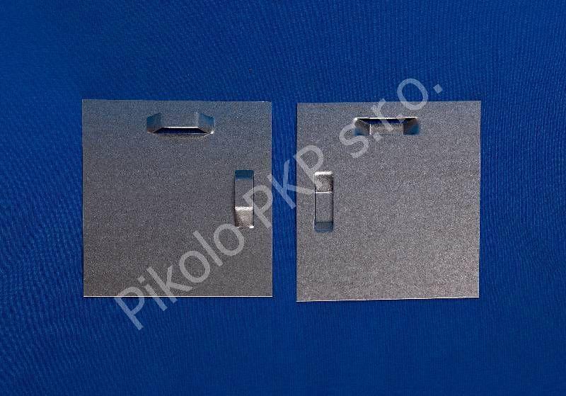 Plech 8 x 8 cm se 2 průlisy - doprodej Pikolo PKP s.r.o.